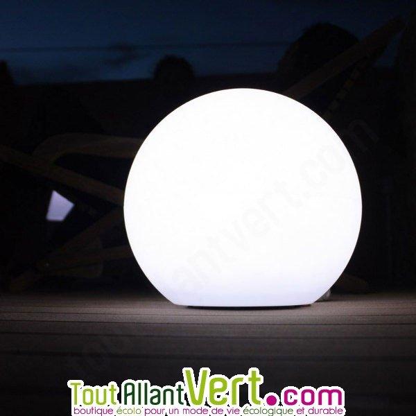 Lampe Ronde Solaire A Eclairage Puissant Pour Terrasse Et Jardin